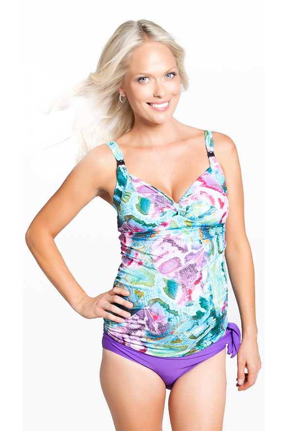 b9d18856a6133 Gorgeous maternity swimwear styles to keep you cool this summer